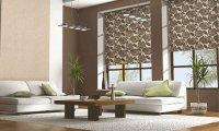 Рулонные шторы в интерьере ресторана или гостиницы.